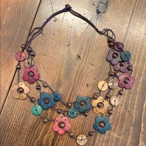 Wood flowers beaded necklace